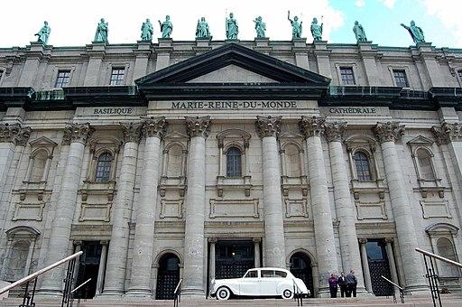 Basilique-Cathédrale Marie-Reine-du-Monde 03