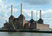 Battersea Powerstation - Across Thames - London - 020504.jpg