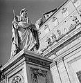 Beeld van St. Paulus met zwaard en boek, opgericht door paus Pius IX op het Sint, Bestanddeelnr 254-5525.jpg