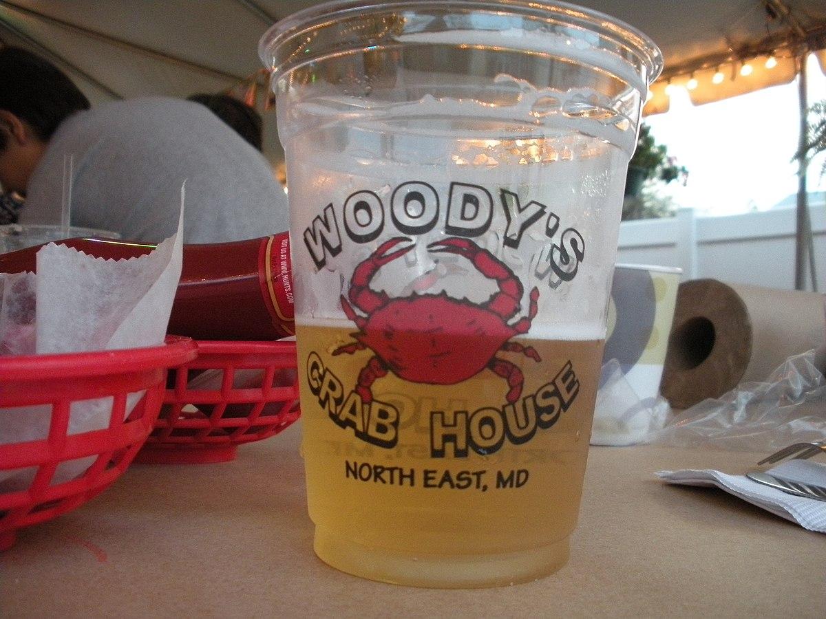 Beer at Woody's Crab House.jpg