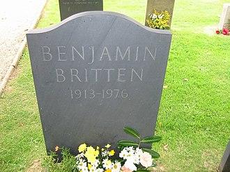 St Peter and St Paul's Church, Aldeburgh - Image: Benjamin Britten grave by Arno Drucker