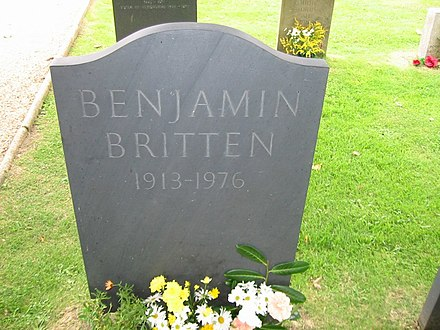 Britten's grave in St. Peter and St Paul's Church, Aldeburgh, Suffolk Benjamin Britten grave by Arno Drucker.jpg