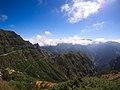 Bergstraße auf Madeira (30814901210).jpg