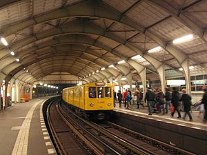 Hallesches Tor (Berlin U-Bahn) - U1 platform