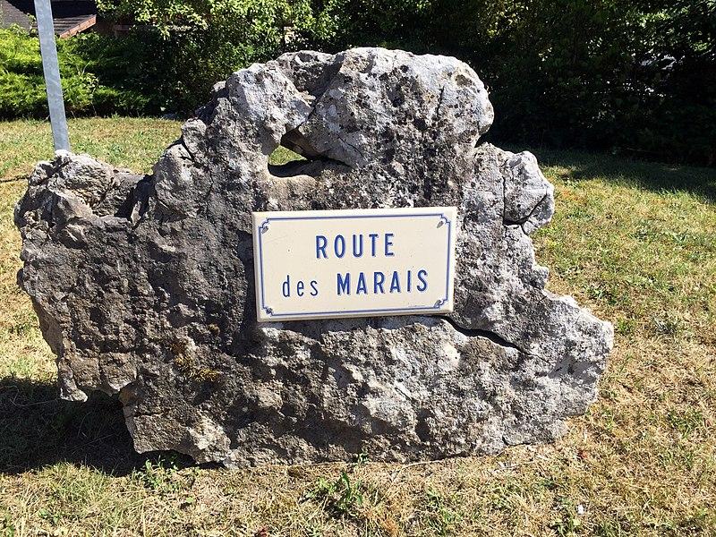 Rue du marais à Béon (Ain).