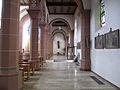 Bexbach Katholische Pfarrkirche St. Martin Innen Seitenschiff 01.JPG
