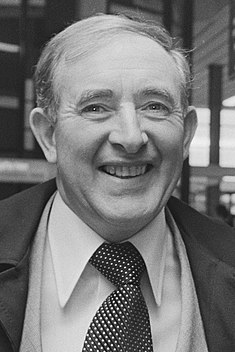Blanchflower (cropped).jpg