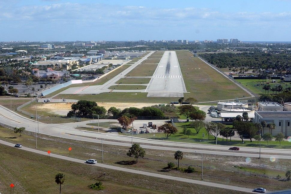 Boca Raton Airport rwy 5 Photo D Ramey Logan