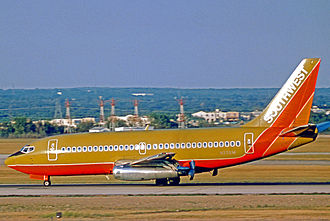 History of Southwest Airlines - Boeing 737-200 in original livery in 1975