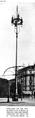 Bogenlampen-Kandelaber auf dem Potsdamer Platz von Emil Högg.png