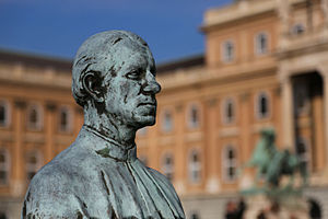 Antonio Bonfini - Statue of Bonfinivs in Budapest