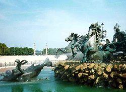 Bordeaux Quinconces.jpg