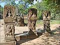 Bornes de la chaussée est (Preah Khan, Angkor) (6836883130).jpg