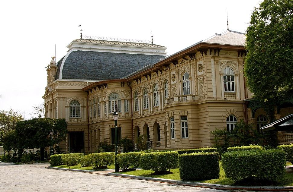 Boromphiman Palace