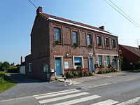 Bousignies (Nord, Fr) maire-école.JPG