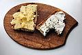 Brød med Västerbotten-ost og røget gedeost (5205155586).jpg