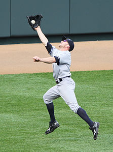 Brett Gardner leaping catch.jpg