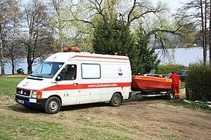 Brno, přehrada, Kozí horka, vodní záchranáři ČČK.jpg
