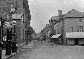 Builth Wells - Lion Hotel and Broad Street, early 1900s