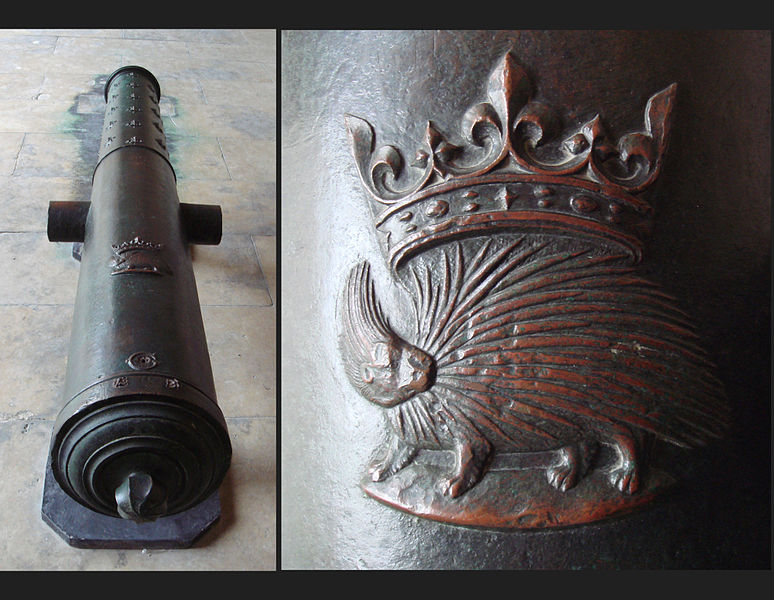 File:Bronze cannon of Louis XII with emblem 172mm 305cm 1870kg Algiers recovered in 1830.jpg