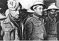 Brytyjscy jeńcy wojenni przed kancelarią obozu na froncie włoskim (2-2495).jpg