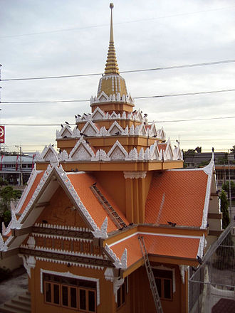 Songdhammakalyani Monastery - A new building in the Wat Songkhammakalayani Temple complex