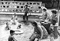Bundesarchiv Bild 183-1983-0815-018, Leipzig, Schwimmbad des VEB Buntgarnwerks.jpg
