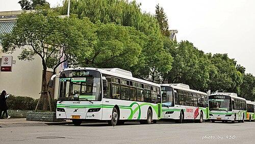 Buses of Bashi Group in Shanghai.jpg