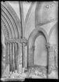 CH-NB - Romainmôtier, Abbatiale, Porche, vue partielle intérieure - Collection Max van Berchem - EAD-7489.tif