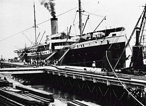 "KPM steamer ""'s Jacob"" in the harbour of Makassar, C 1907-1914"