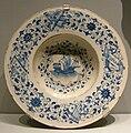 Cafaggiolo maiolica, piatto bianco e blu con una nave mercantile, 1510 ca..JPG