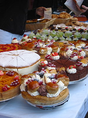 Cakes for sale in Borough Market