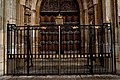 Cambridge - King's College, founded in 1441 - View East on King's College Chapel 1446 - 1544 III.jpg