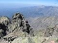 Canales oscuras - Ladera Sur del Almanzor - panoramio.jpg