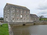 Carew tide mill (geograph 3764233).jpg