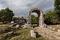 Carsulae, arco di S. Damiano e strada Flaminia 2.jpg