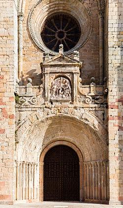07c8efcc749 Sigüenza Cathedral - Wikipedia