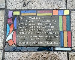 Photo of Multicoloured plaque number 40267