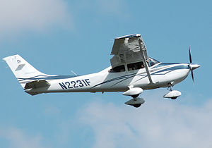 Aircraft fairing - Spats on a Cessna Skylane 182T