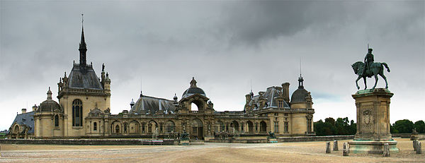 http://upload.wikimedia.org/wikipedia/commons/thumb/9/9e/Chantilly1_tango7174.jpg/600px-Chantilly1_tango7174.jpg