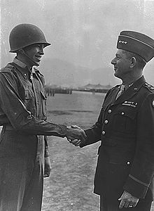 Childers and Devers handshake.jpg