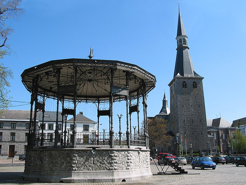 Ciney, the Monseu Place, the bandstand and the St. Nicolas' church.