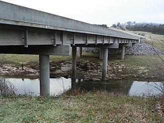 Cinque Hommes Creek - Image: Cinque Hommes Creek Hwy 61 bridge