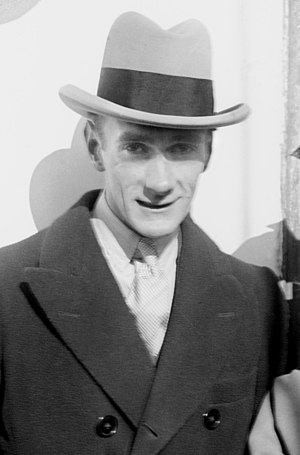 Clifton Webb - Webb in 1923