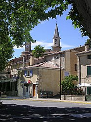 The centre of the village of Loriol-du-Comtat