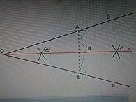 Come fare la bisettrice di un angolo con riga e compasso