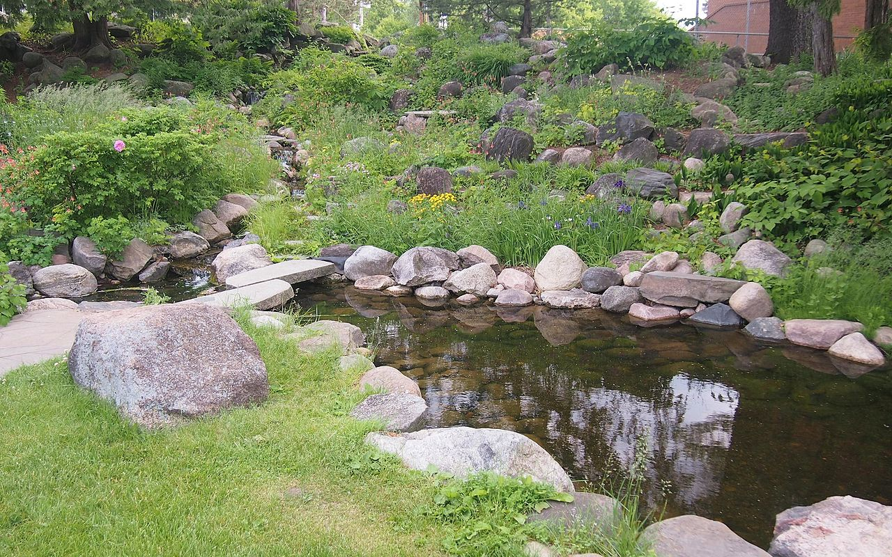 Charming File:Conservation Building Rock Garden
