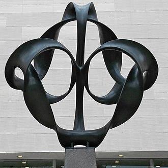 Continuum (sculpture) - Image: Continuum from front (S)