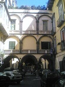 Palazzo dei duchi di casamassima wikipedia for Piani di coperta del cortile