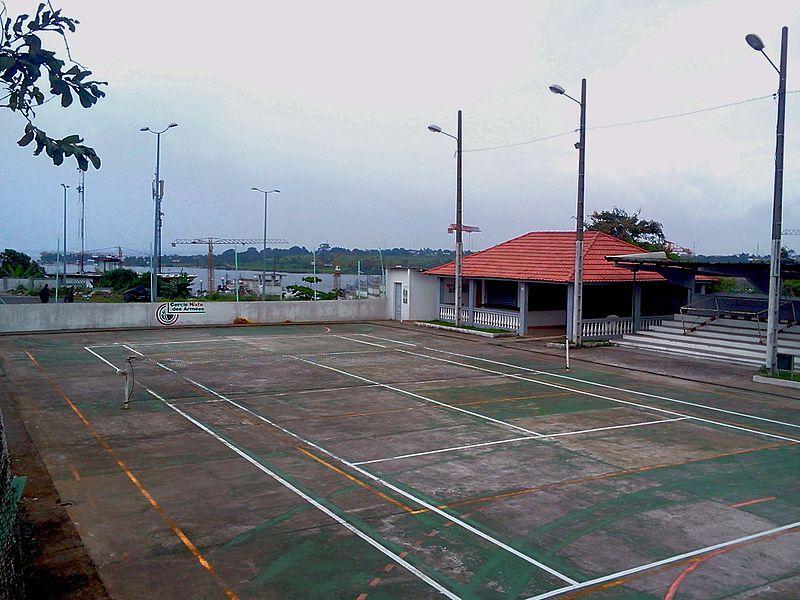 File court de wikimedia commons for Revetement court de tennis